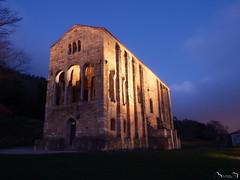 Santa María del Naranco I (Jaime Martin Fotografia) Tags: asturias oviedo prerromanico arquitectura nocturna