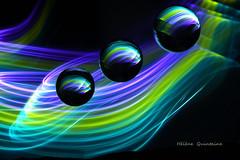 Le toboggan lumineux (Hélène Quintaine) Tags: toboggan lumière boule insolite création abstraction nuit lumineux mouvement courbe graphique verre