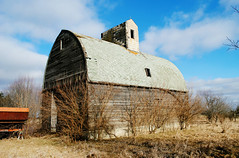 Former Farm in Alden, Illinois (Cragin Spring) Tags: farm abandoned decay barn illinois il northernillinois mchenrycounty unitedstates usa unitedstatesofamerica rural alden aldenil aldenillinois