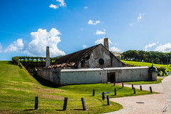 Polvorín Santa Elena. Viejo San Juan, Puerto Rico (carlosbenju) Tags: sea mar azul blue muralla walls arquitectura architecture viejosanjuan oldsanjuan puertorico ciudad city green verde