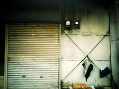 この場所 #9 (furisumeru) Tags: polaroid a550 umbrella stilllife