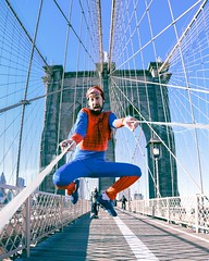 FUNNY SPIDERMAN (fernandomuylaert) Tags: brazilian comedian fernando muylaert the muyloco comic strip live brooklin bridge funnyspiderman braziliancomedian