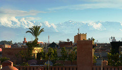 Sur les toits de la Medina (Le.Patou) Tags: maroc morocco marrakech marrakesh fz1000 roof top sunset mountain riad snow panorama city medina house town