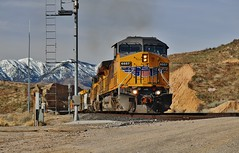 Taking The Siding (Official$uchainzTV) Tags: unionpacific up buildingamerica up6557 mwcrvc20 highlandca california mojavesubdivision cajonpass palmdalecutoff manifest ac44cw ac4400cw geac44cw geac4400cw acmotor actraction ge generalelectric gelocomotive gelocomotives widecab widecabs