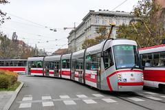 BRN_1937_201811 (Tram Photos) Tags: skoda škoda 13t brno brünn strasenbahn tram tramway tramvaj tramwaj mhd šalina dopravnípodnikměstabrna dpmb