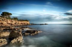 Rocas (candi...) Tags: rocas costa mar agua cielo naturaleza nature airelibre arboles nubes sonya77