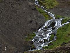 Cascade (bd168) Tags: greenery landscape water stream stone mountainside lave lava hotsprings islande iceland em10markii m14150mmf4056ii travel voyages