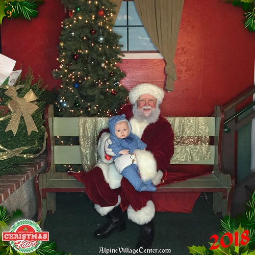 Photos with Santa at Alpine Village 2018
