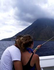 Love in front the vulcano (Fausto Bufardeci) Tags: love amore coppia vulcano mare sicilia isoleeolie