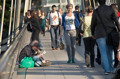"""080919_SouthBank_80 (hoffman) Tags: southbank leisure tourists tourism beggar homeless beging giving davidhoffman davidhoffmanphotolibrary socialissues reportage stockphotos""""stock photostock photography"""" stockphotographs""""documentarywwwhoffmanphotoscom copyright"""
