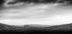 Edinburgh, nestling among its hills (louys:) Tags: blackandwhite edinburgh fuji xt2 xf1855mmf284rlmois clouds