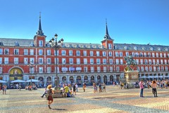 Plaza Mayor, Madrid (M Malinov) Tags: plaza mayor building architecture monument colors city capital madrid spain eu europe cityscape colorful cityview европа мадрид испания площад square