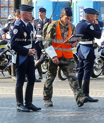 "bootsservice 18 800814 (bootsservice) Tags: uniforme uniformes uniform uniforms bottes boots ""riding boots"" motard motards biker motorbiker gants gloves police policier policiers policeman policemen parade défilé ""14 juillet"" ""bastilleday"" ""champselysées"" paris"