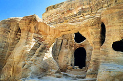 La roche, Petra (Raymonde Contensous) Tags: jordanie pétra roche grès montagne djebel pierre nature paysage photoaps