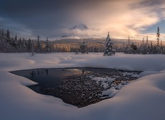 Chill in the Air (Ryan Dyar) Tags: snowshoeing ryandyar sunset sunrise stream creek lake frozen winter snow cascademountains cascades oregon pacificnorthwest northwest mthood mounthood