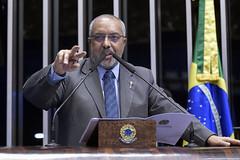 Plenário do Senado (Senado Federal) Tags: plenário senadorpaulopaimptrs sessãonãodeliberativa bandeiranacional brasília df brasil bra