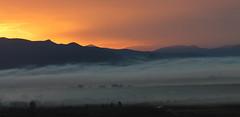 Γη και Ελευθερία (ᙢᗩᖇᓰᗩ ☼ Xᕮᘉ〇Ụ) Tags: sunrise winter landscape misty morning sky sunlight landschaft himmel moments μοναχικότητα ελλαδα στιγμεσ πρωι ομιχλη ανατοληηλιου erde earth ουρανοσ γη canoneos1100d weather καιροσ χειμωνασ sonnenaufgang mist τοπιο nature natur naturelover naturephotography