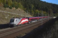 1116 249 + Garnitur 32 (6 teilig) , rj 797 ( Klagenfurt -> Böckstein ). Kolbnitz (M. Kolenig) Tags: 1116 fahne railjet tauernbahn baum wald