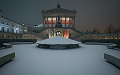 Immaculate Snow at the Alte Nationalgalerie in Berlin (Light Levels Photoworks) Tags: neuschnee schnee snow neige architecture architektur allemagne adventure atmosphere berlin berliner city cityscape citylights deutschland europe europa earth germany museum landscape landschaft lights nacht night nightshot outdoor perspectives paysage photography perspektive stadt street time urban view viewpoints ville world wetter wideangle weather winter