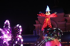"""Mickey Mouse - Paint the Night Parade • <a style=""""font-size:0.8em;"""" href=""""http://www.flickr.com/photos/28558260@N04/44232463170/"""" target=""""_blank"""">View on Flickr</a>"""