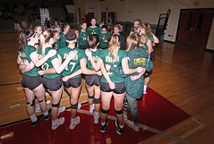 IMG_2335 (SJH Foto) Tags: canon 1018 f4556 stm superwide lens pregame huddle girls high school volleyball emmaus garnet valley state pool play championships