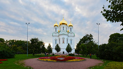 Cathedral under a cloudy sky. (fedoseenko) Tags: санктпетербург россия красота colour природа beauty blissful loveliness beautiful saintpetersburg sunny art shine dazzling light russia day green park peace garden blue white голубой небо лазурный color sky pretty sun пейзаж landscape clouds view heaven mood summer serene golden gold gate colours picture hall road tree grass nature alley history trees tsar stairway walkway field autumn outdoors old wood cathedral church cupola holy orthodox path religion building foliage 5dmarkii ef1635f28lii