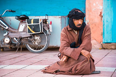 Mab beggin in the streets of Guelmim, Morocco. (cookiesound) Tags: guelmim morocco travel africa photography travelphotography travelphotographer inspiration nisamaier ullimaier cookiesound canon streetlife portrait man life people poverty begger