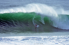KAI LENNY / 4980NBW (Rafael González de Riancho (Lunada) / Rafa Rianch) Tags: surf waves surfing olas sport deportes sea mer mar nazaré vagues ondas portugal playa beach 海の沿岸をサーフィンスポーツ 自然 海 ポルトガル heʻe nalu palena moana haʻuki kai olahraga laut pantai costa coast storm temporal