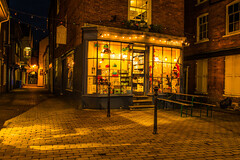 Night Shoot In The Shropshire Market Town Of Ludlow (williamrandle) Tags: ludlow shropshire england uk2018 autumn lowlight nightphotography evening street shops buildings roads alleyways dark streetlight cobbles nikon d750 tamron2470mmvcf28 outdoor shop window building road