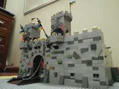 Crown castle MOC (moclego99) Tags: lego legocastle legoknight legomedieval legoking legomoc moc toy castle king knight legophoto