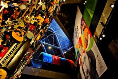 The Experimental Music Museum in Seattle: Jimi Hendrix  The Muppets and a Tower of Guitars! (Raphael de Kadt) Tags: seattlecenter experimentalmusicproject empmuseum jimyhendrix seattle guitars america frankgehry fujinonxf18135mm fujifimxt2