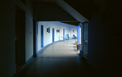 (SamBHart) Tags: nikonfm2 35mmfilm travel analog cuba 24mmnikkor 24mmlens wideangle blue resort contrast havana