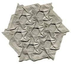 Graphene (R. Takagi) (Helyades) Tags: origami pli pliage fold hexagon tessellation pavage takagi graphene papier paper ioio ioio2018