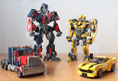 Bumblebee and Optimus from Transformers 2007 (hachiroku24) Tags: lego transformers bumblebee optimus prime camaro moc robot