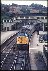 South Yorkshire Whistler (david.hayes77) Tags: 40012 aureol class40 whistler rotherham southyorkshire 1977 rotherhammasborough englishelectric brutes cloughroad terracehouses yorkshire thenorth