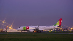 Embraer ERJ-190LR (duarterodrigues) Tags: tap express embraer erj190lr lisboa lisbon humberto delgado portela plane aircraft fly take off descolagem pista aeroporto airport portugal cstpu