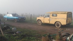23/12/2018 Lost in a cloud.. (Dust.....) Tags: ford fordcapri coupé 4x4 landrover voiture voitureancienne brouillard kommingisthan komingisthan cominges paysage lumiere nuage nuages photodepaysage landscape paisaje france comminges