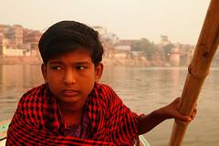 Rahul (PoLiTvS) Tags: 2011 2011india1 agua asia barcas digital formatos ganges gente india lugares rahul retratos rios transportes varanasi viajes