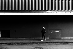 Framed (Leica M6) (stefankamert) Tags: framed film analog analogue grain leica m6 leicam6 summitar kodak trix blackandwhite blackwhite noir noiretblanc people street woman tübingen lines tones wall girl