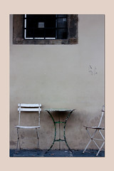 composition (sandrorotonaria) Tags: sedie chein table window white wall