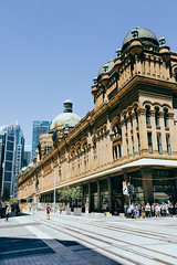 (VirtualWolf) Tags: australia building cbd canonef35mmf14lusm canoneos5dmarkiv flora newsouthwales people sydney sydneycity trees vintage