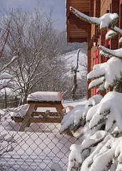 En attendant l'été (mrieffly) Tags: alsace htrhin hautesvosges geishouse canoneos50d neige chalet sapins
