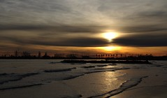 Encore Palavas :-) (chriskatsie) Tags: ciel sky sunset mer sea herault occitanie montpellier wave vague ☯laquintaessenza☯