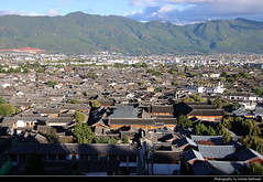 View from Lion Hill, Lijiang, Yunnan, China (JH_1982) Tags: lion hill view lookout cityscape panorama aussicht ausblick historic old town rooftops rooftop historisch altstadt wooden buildings mountains mountain lijiang 丽江 麗江市 리장 시 лицзян yunnan 云南 雲南省 윈난성 юньнань peoples republic china prc chine cina 中国 中國 中华人民共和国 중화인민공화국 китайская народная республика