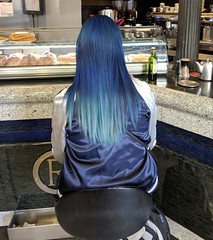 Why so blue? (jmaxtours) Tags: blue bluehair person woman girl cafe madrid madridspain spain