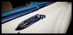 Shades of Blue (Burnt Umber) Tags: car auto automobile west palm beach florida show digitalisthedevil pentaxk5 september 2016 classic van ©allrightsreserved antique tail light lamp rpilla001 dosemstic ford gm detroit pentaxfa77mmf18 chrome fpord chevy olds oldsmobile skull hood ornament badge lakepark veteransday phonetography fauxtography hotrodcity stuart v8 super eight 8 pontiac safari wagon