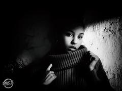 Laurie (davcsl) Tags: blackwhite bw biancoenero blackandwhitephotosonly davcsl france fille fillette gard languedocroussillon monochrome monotones model noiretblanc noiretblancblackwhite nb nimes nîmes occitanie people portrait southoffrance women woman