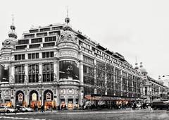 Printemps Haussmann II (marc.barrot) Tags: selectivecolours urbanlandscape building architecture france paris 75008 boulevardhaussmann auprintemps