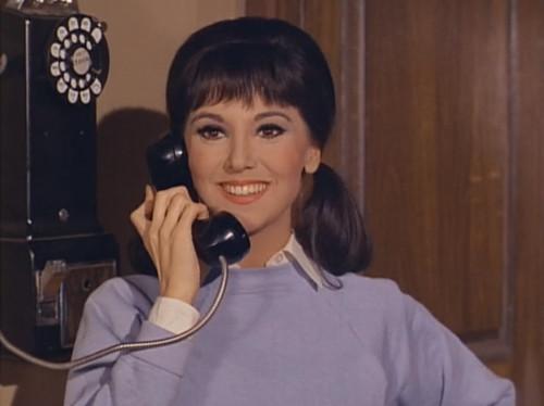 """Marlo Thomas, That Girl, """"Christmas and the Hard-Luck Kid,"""" 1966"""