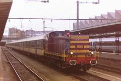 CFL 903 (bobbyblack51) Tags: cfl class 900 bl bobo diesel locomotive 903 luxembourg station 1998